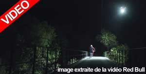 Loic-Bruni-Midnight-MTB-Ride-on-a-Trail-lit-by-a-Drone_1